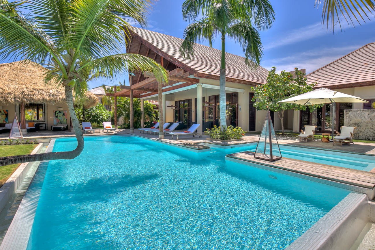 Punta cana vacation package Barcelo
