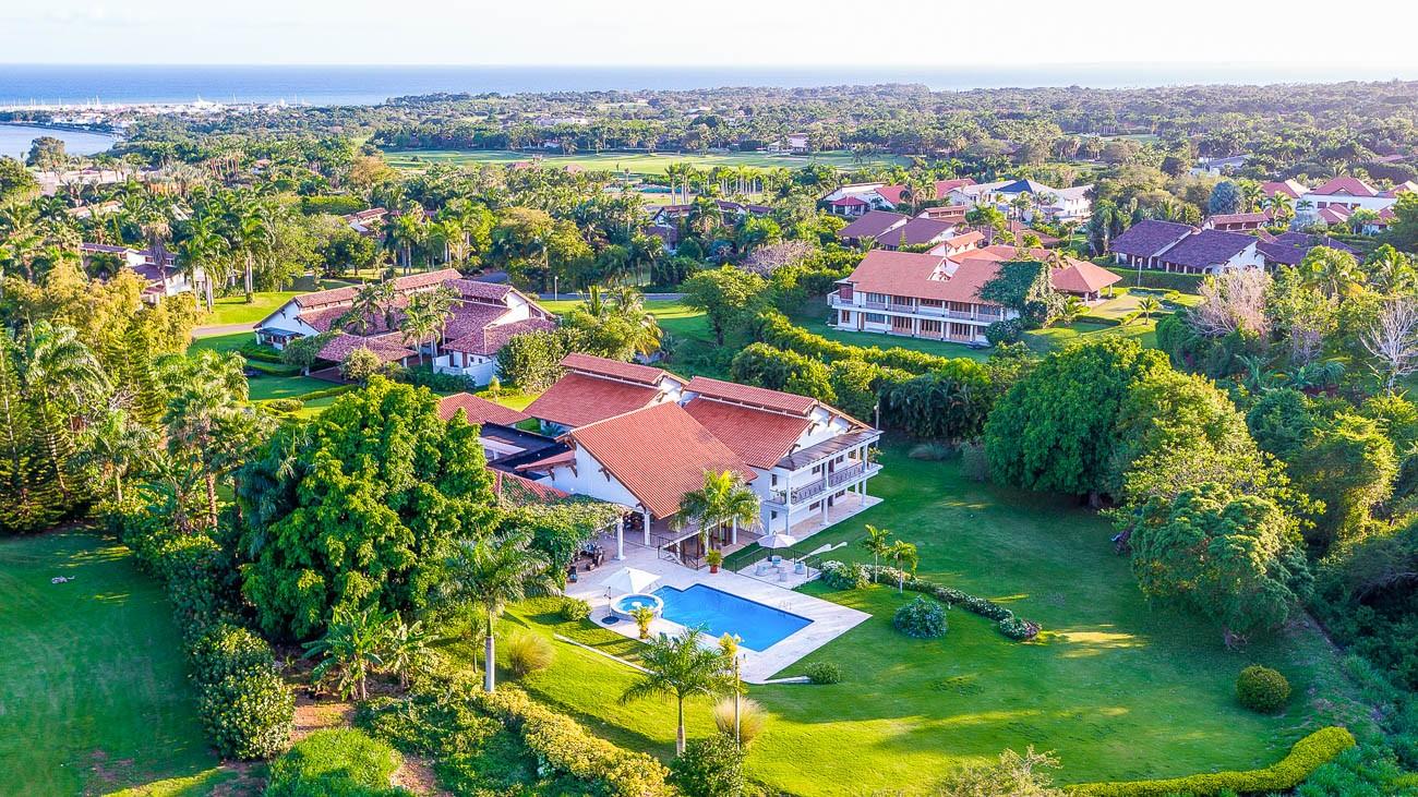 Punta cana luxury villa rentals La Romana